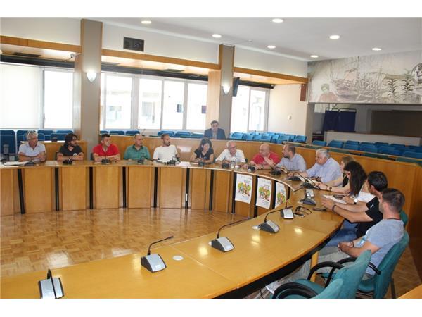 Συνάντηση εργασίας μεταξύ Περιφέρειας και επαγγελματιών των παραλίων της Π.Ε. Λάρισας για το φεστιβάλ «Με θέα το Αιγαίο»