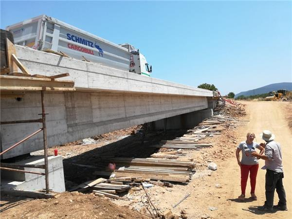 Στη φάση της ολοκλήρωσης βρίσκεται το έργο κατασκευής γέφυρας Πλατανορέματος στον Αλμυρό