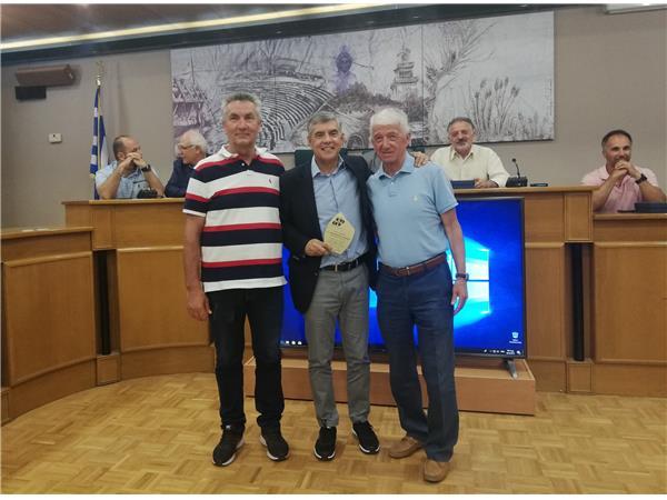 Βραβεύτηκε από τον ΣΕΓΑΣ για την προσφορά του στον αθλητισμό ο Κ. Αγοραστός