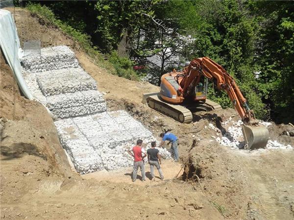 Σε έργα καθαρισμού των ρεμάτων και τη διευθέτηση των χειμάρρων σε ολόκληρη την Π.Ε. Λάρισας προχωρά η Περιφέρεια Θεσσαλίας