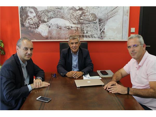 Με το νέο Δήμαρχο Ελασσόνας Νίκο Γάτσα συναντήθηκε ο Περιφερειάρχης Θεσσαλίας Κώστας Αγοραστός