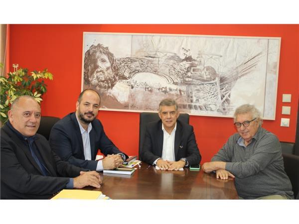 Συνάντηση εργασίας μεταξύ Περιφερειάρχη Θεσσαλίας και κλιμακίου της ΚΟΕ για το Παγκόσμιο Πρωτάθλημα Υδατοσφαίρισης Παίδων και Κορασίδων που θα διοργανωθεί σε Βόλο και Λάρισα