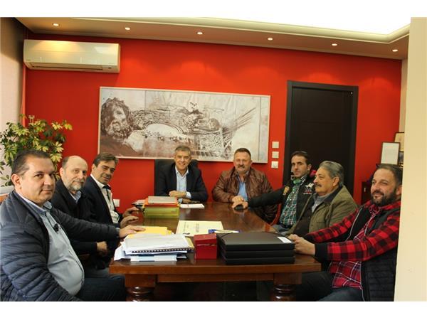 Τον Περιφερειάρχη Θεσσαλίας Κ. Αγοραστό συνάντησαν κτηνοτρόφοι της επαρχίας Τυρνάβου για τις αποζημιώσεις του «καταρροϊκού πυρετού» του 2014