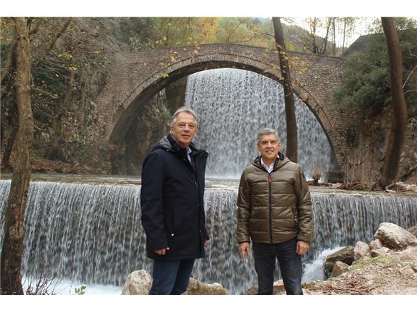 Στην αναμόρφωση του χώρου στον καταρράκτη της Παλαιοκαρυάς προχωρά η Περιφέρεια Θεσσαλίας